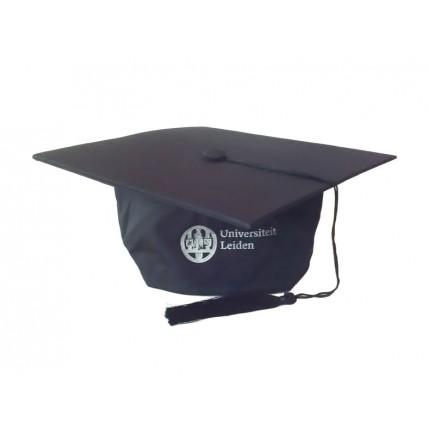 AFSTUDEER CAP UNIVERSITEIT LEIDEN